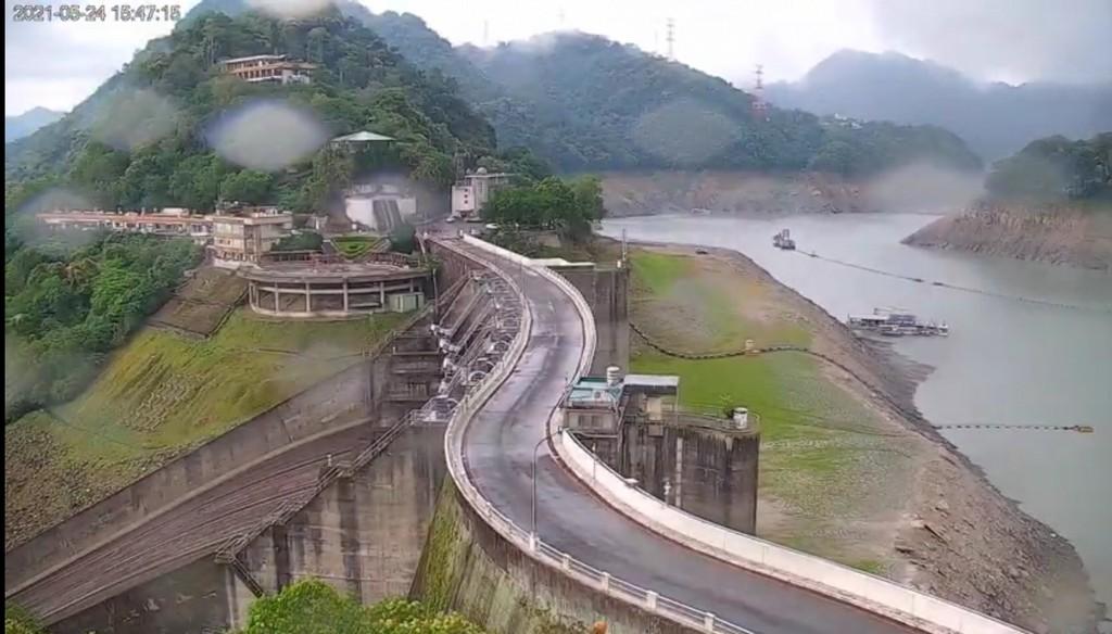 近期最療癒的影片,8000人同時觀看石門水庫下雨,也進帳250萬噸,蓄水率提高1.2% @桃園起風了